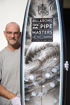 Phil Roberts With the 2015 Pipe Masters Trophy Board