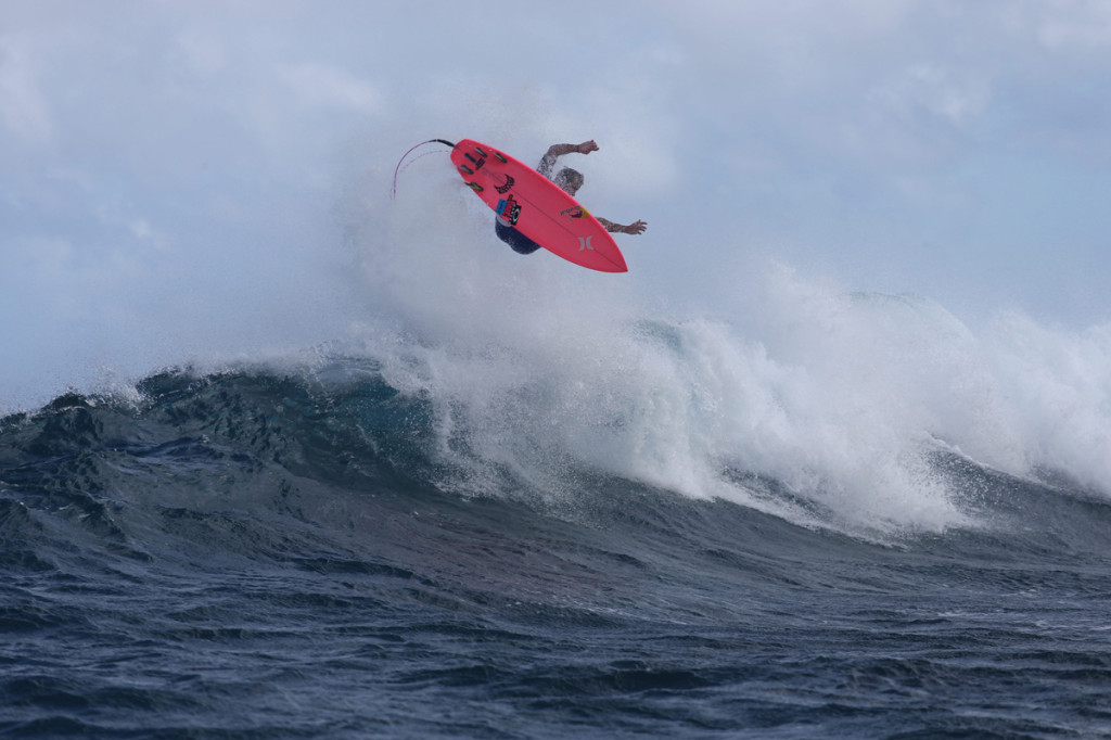 julian-wilson-hydroflex-surfboards-by-tomcarey