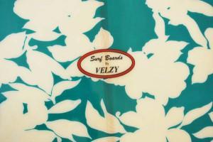 Velzy Logo
